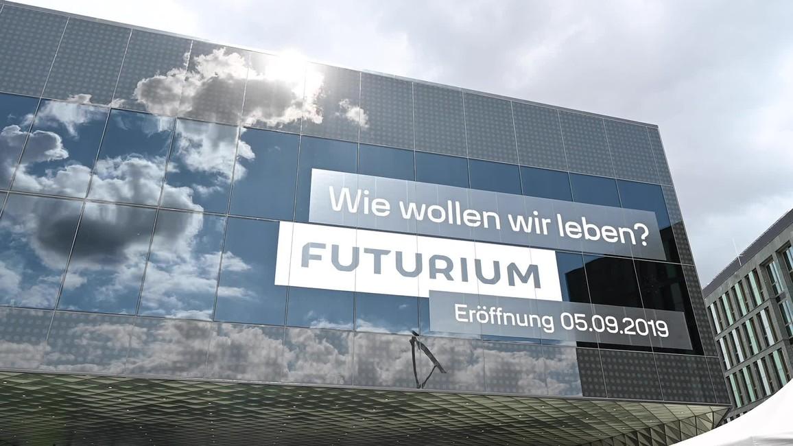 Poster zum Video Eröffnung des Futuriums