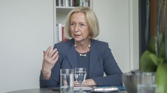 Prof. Dr. Johanna Wanka, Bundesministerin für Bildung und Forschung, im Interview