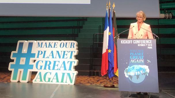 Ministerin Karliczek eröffnet die MOPGA-Konferenz.