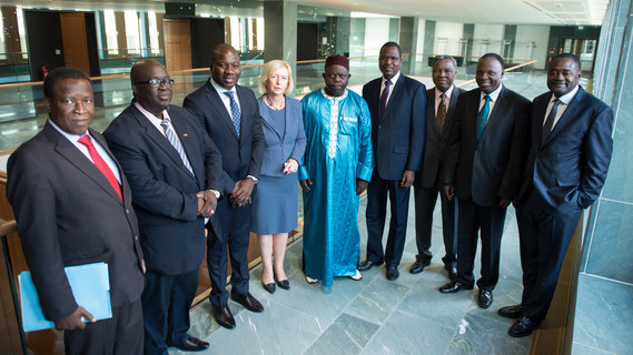 Bundesforschungsministerin Johanna Wanka begrüßt Teilnehmer der Ministerkonferenz zum Klimakonferenzzentrum Westafrika (WASCAL).