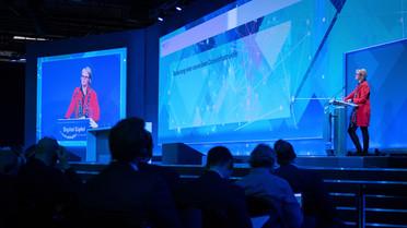Bundesforschungsministerin Anja Karliczek stellt das Projekt GAIA-X vor.