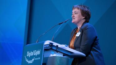 Ina Schieferdecker, Leiterin der Abteilung Forschung für Digitalisierung und Innvationen im BMBF, sprach zum Thema \'KI für und durch digitale Plattformen\'.