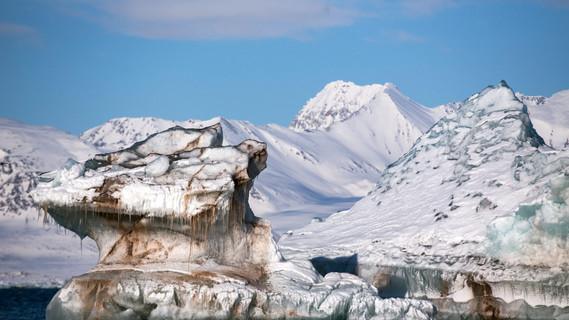 Johanna Wanka besucht die Arktis
