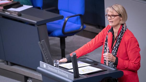 Bundesministerin Anja Karliczek in der Haushaltsdebatte des Deutschen Bundestages.