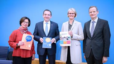 Vorstellung der PISA-Studie 2018 in der Bundespressekonferenz.