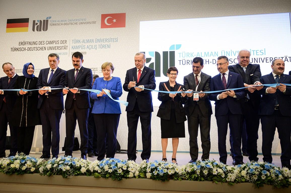 Bundeskanzlerin Angela Merkel bei der Eröffnungsfeier.