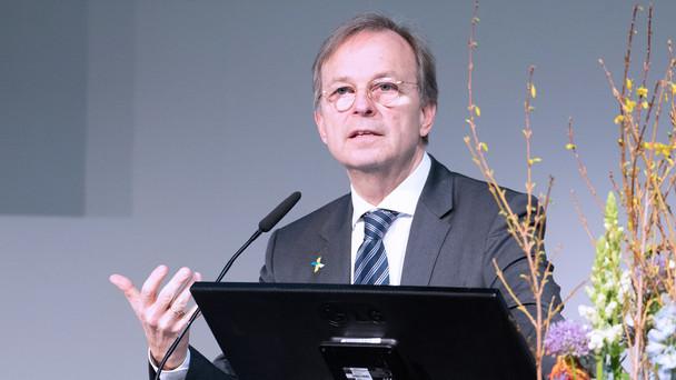 Thomas Rachel, Parlamentarischer Staatssekretär bei der Bundesministerin für Bildung und Forschung, während seiner Rede auf dem Deutschen Krebskongress 2020.