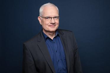 Professor Kahl