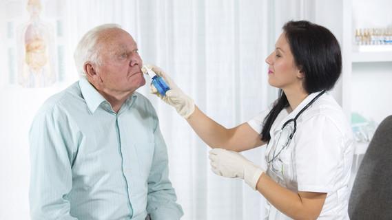 Verabreichung des Impfstoffs mittels Nasenspray