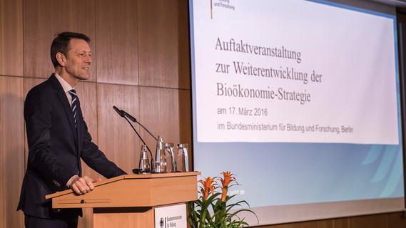 Staatssekretär Schütte eröffnet die Veranstaltung
