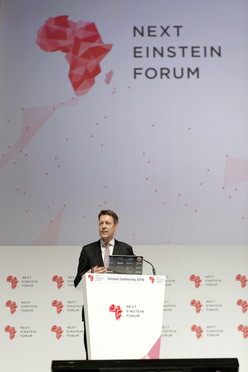 Staatssekretär Schütte während seiner Rede