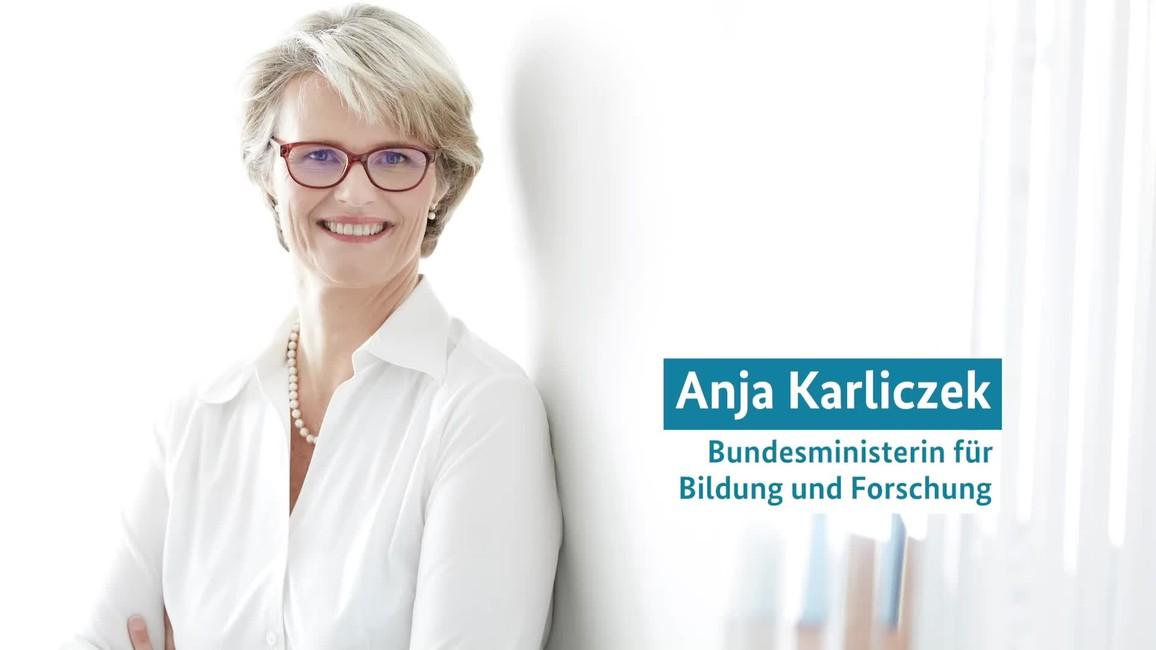 Poster zum Video Bundesforschungsministerin Karliczek zum Hackathon #WirVsVirus