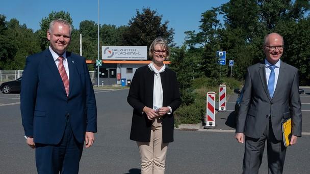 Ministerin Karliczek besucht die Salzgitter AG.