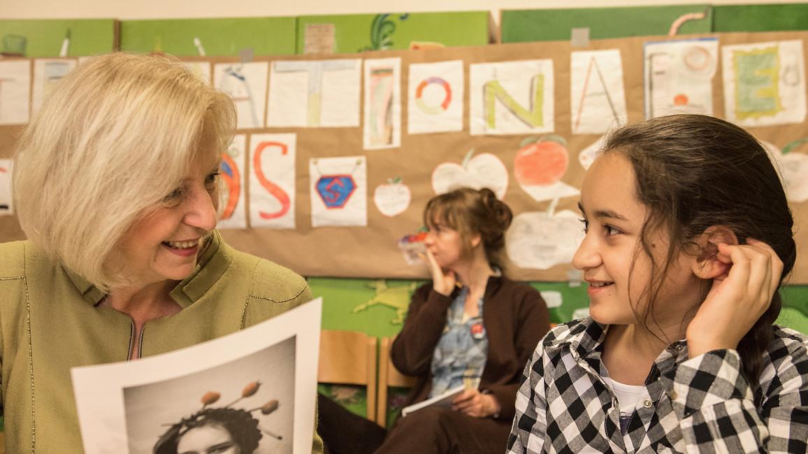 Johanna Wanka besucht in Berlin ein Projekt aus dem Programm Kultur macht stark