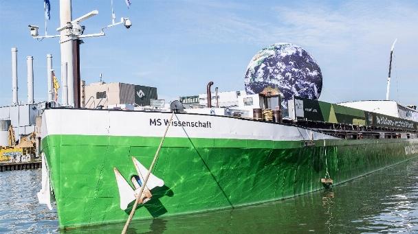 Die Reise der MS Wissenschaft beginnt in diesem Jahr in Münster. Nach 18 weiteren Stationen endet die diesjährige Ausstellungsfahrt Mitte Oktober in Straubing.