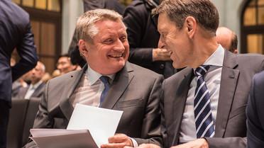 Staatssekretär Schütte neben Bundesgesundheitsminister Gröhe