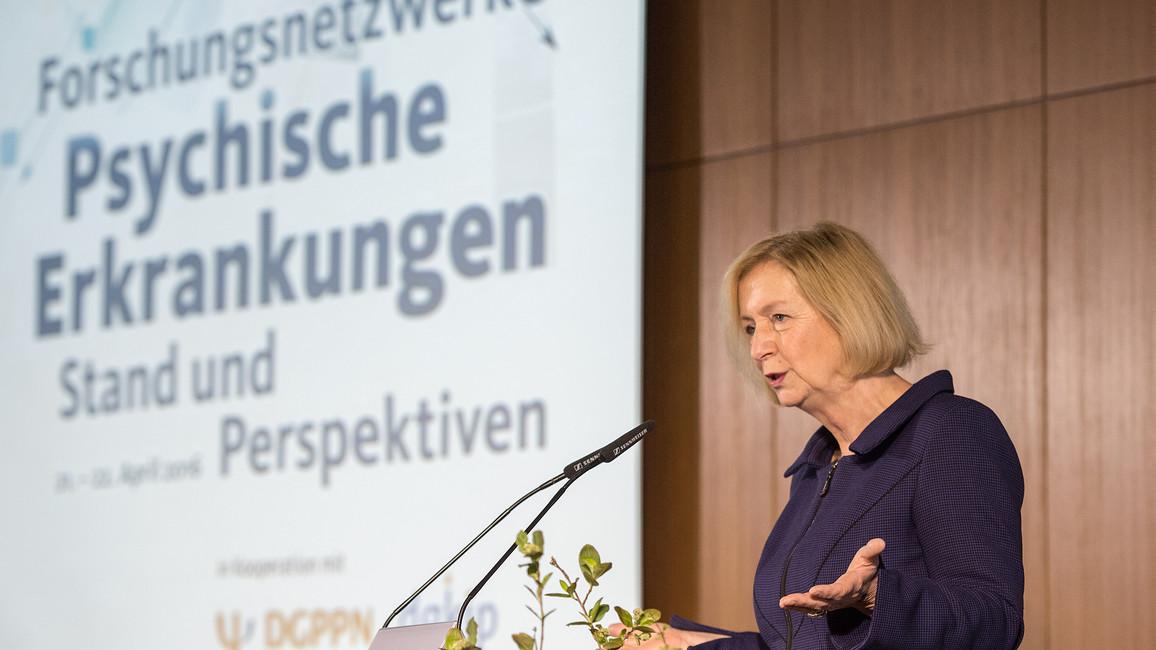 Bundesforschungsministerin Johanna Wanka eröffnet den Kongress 'Psychische Erkrankungen - Stand und Perspektiven'