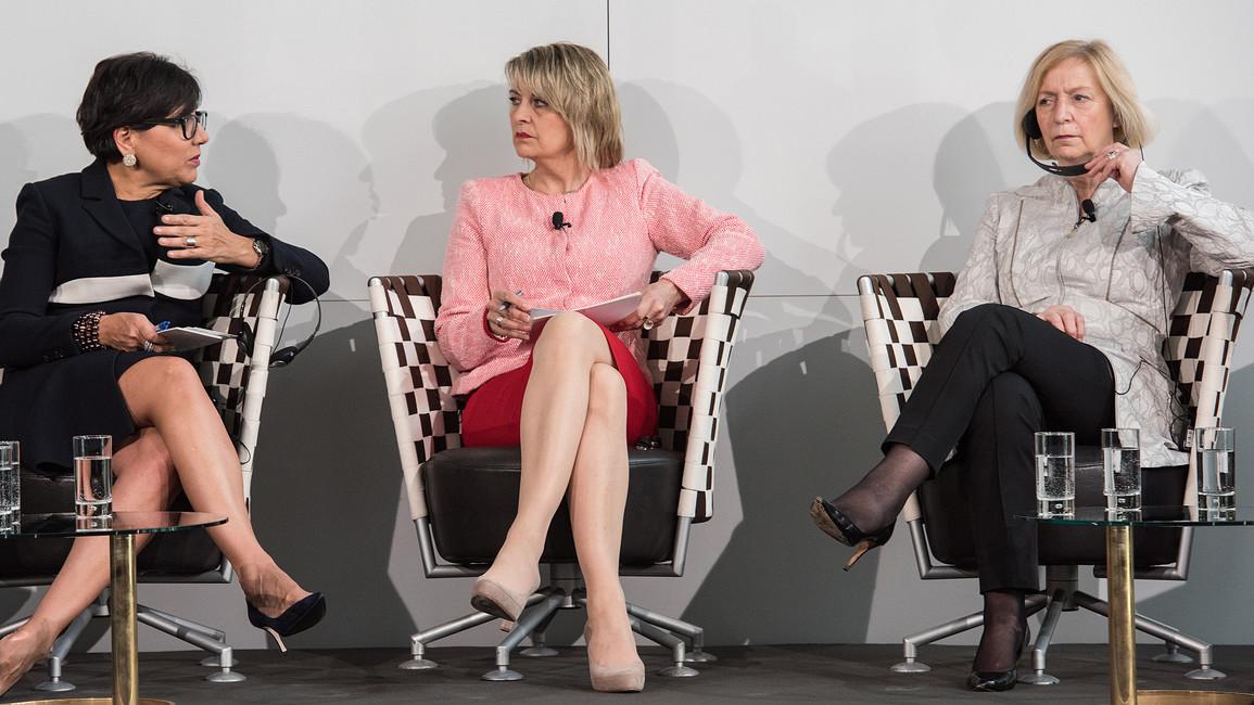 Podiumsdiskussion mit US-Handelsministerin Pritzker (links) und Bundesforschungsministerin Wanka (rechts)
