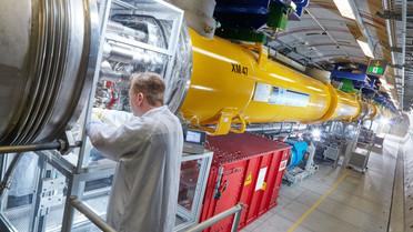 Am Röntgenlaser XFEL in Hamburg wollen Lars Redecke und sein Team die Struktur von Biomolekülen entschlüsseln.