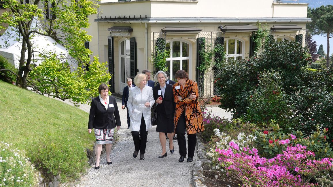 Bundesministerin Johanna Wanka beim Besuch der Villa Vigoni