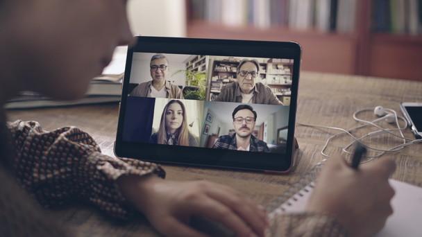 Poster zum Video Videoanruf via Tablet