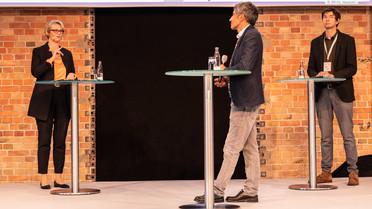 Anja Karliczek im Gespräch mit Christian Drosten und Ranga Yogeshwar