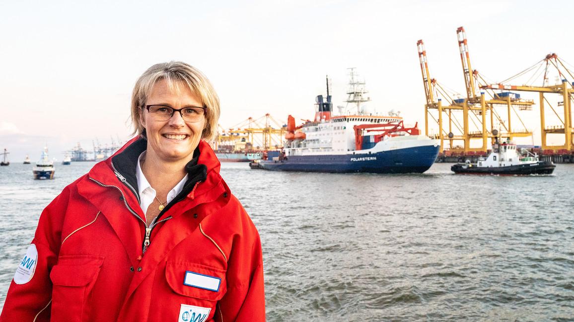In Bremerhaven empfängt Bundesforschungsministerin Anja Karliczek die POLARSTERN.