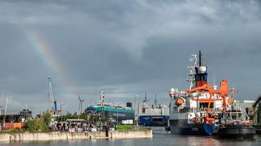 So wurde die POLARSTERN am Morgen in Bremerhaven empfangen: mit einem Regenbogen.