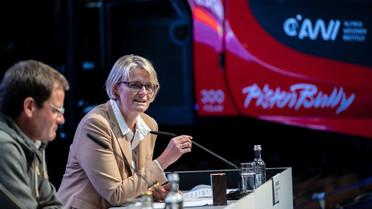 """""""Der Klimawandel ist die größte Herausforderung für die Menschheit. Eine Herausforderung, der wir nur gemeinsam begegnen können– über die Grenzen von Disziplinen und Nationen hinweg"""", sagt Forschungsministerin Karliczek."""