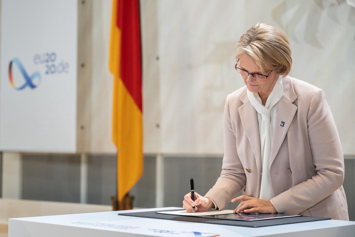 Unterzeichnung Bonner Erklärung EFR