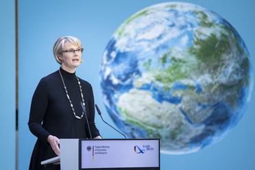 "Anja Karliczek beim ""European Forum on Science & Education for Sustainability 2020"""