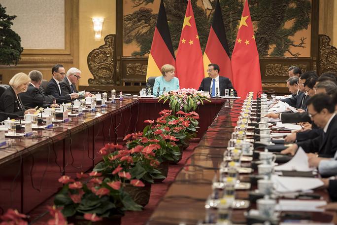 Johanna Wanka während der Chinesisch-Deutschen Regierungskonsultationen in Peking
