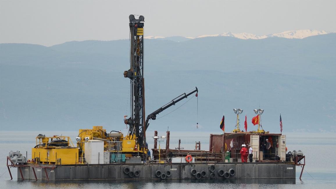 Bohrplattform für die Tiefbohrung im Ohridsee