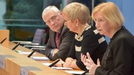 Poster zum Video Exzellenzinitiative: Bund und Länder nehmen Bericht entgegen