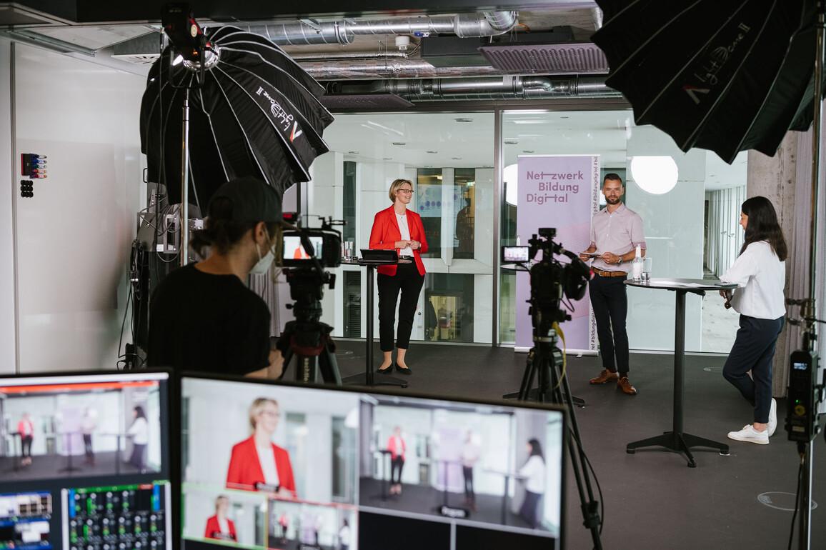Anja Karliczek zu Gast beim Netzwerk Bildung Digital