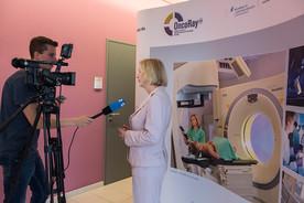 Im Rahmen ihrer Sommerreise besuchte Bundesministerin Johanna Wanka OncoRay in Dresden