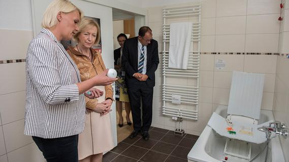 Im Rahmen ihrer Sommerreise besuchte Bundesministerin Johanna Wanka die Kommunale Beratungsstelle Vorpommern in Greifswald