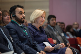 Bundesbildungsministerin Johanna Wanka neben Ahmed Fajad Al Fuhaid aus Saudi-Arabien.