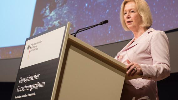 Bundesministerin Johanna Wanka eröffnet die EFR-Konferenz