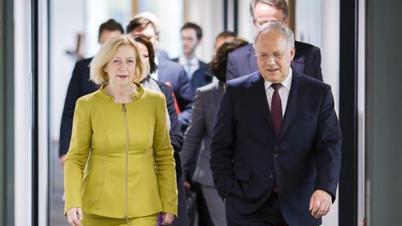 Bundesbildungsministerin Johanna Wanka empfängt den Schweizerischen Bundespräsidenten Johann Schneider-Ammann in Berlin am 02.11.2016