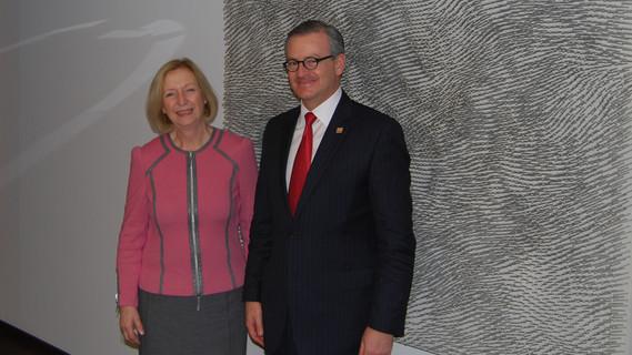 Bundesministerin Wanka mit dem Außenminister aus Costa Rica