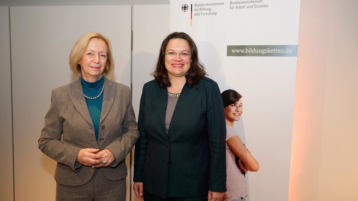 Bundesbildungsministerin Johanna Wanka und Bundesarbeitsministerin Andrea Nahles bei der Bildungskettenkonferenz 2016