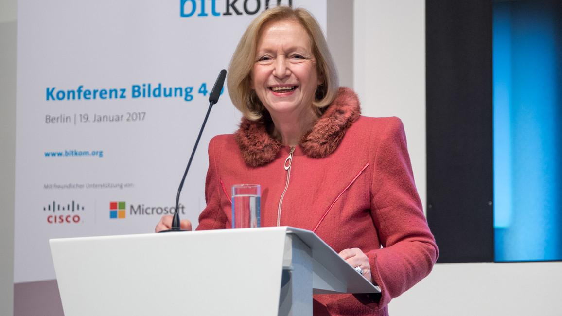 Bundesministerin Johanna Wanka während ihrer Rede im Rahmen der Bitkom-Konferenz Bildung 4.0
