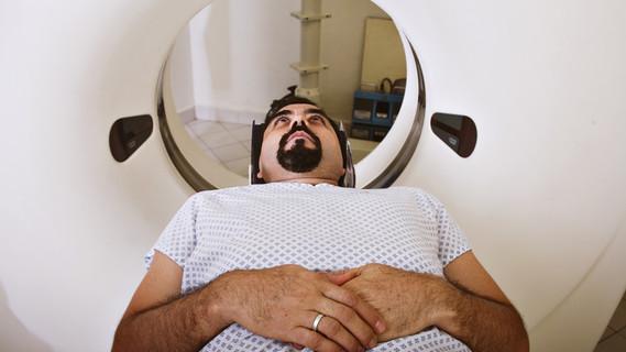 Mann im CT