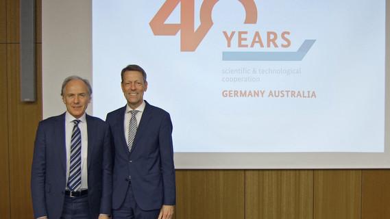 Georg Schütte (r.), Staatssekretär im Bundesministerium für Bildung und Forschung, nahm am Montag, 24. April 2017 die australische Innovationsdelegation unter Leitung von Chief Scientist Dr. Alan Finkel (l.) in Empfang.