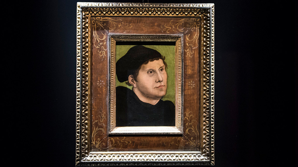 Martin Luther als Augustinermönch mit Doktorhut; Lucas Cranach D.Ä.; 1521/24; Mischtechnik auf Holz; Privatsammlung