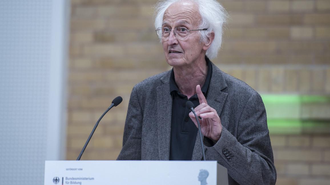 Helmut Schwarz, Präsident der Alexander von Humboldt-Stiftung eröffnet die Preisverleihung