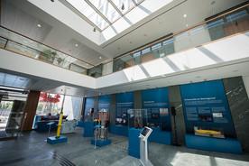 Die Ausstellung im Bundesforschungsministerium bietet spannende Einblicke in die Erforschung der Tiefsee und offener Ozeane.