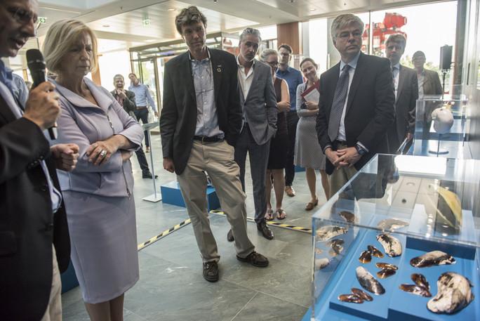 Michael Schulz, Direktor des MARUM Zentrum für Marine Umweltwissenschaften in Bremen, erläutert die Auswirkung der Versauerung der Meere und Ozeane auf kalkbildende Organismen.