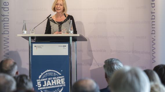 Bundesministerin Johanna Wanka eröffnet die Festveranstaltung '5 Jahre Anerkennungsgesetz'